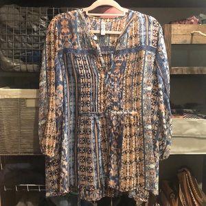 American Rag Size 1X Women's blouse